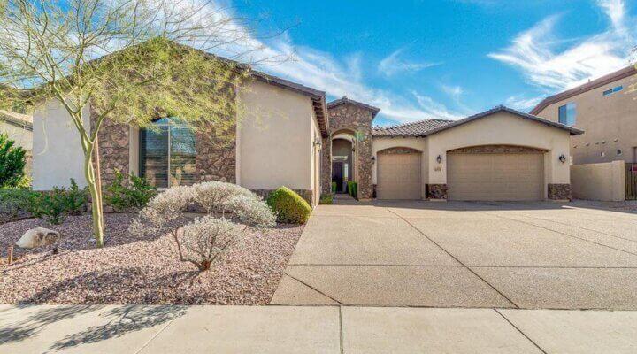 3.296 SF Home in Phoenix Arizona