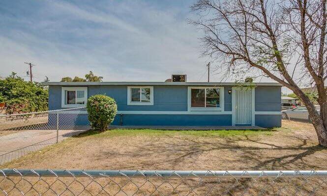 946 SF Home in Phoenix, AZ
