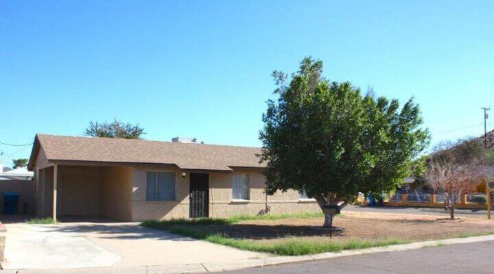 988 Sf Home In Phoenix Arizona