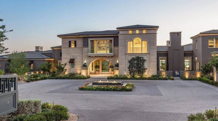 Phoenix Luxury Homes Maintain Hot Sales Pace