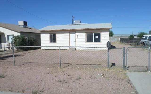 1132 SF Home in Phoenix Arizona
