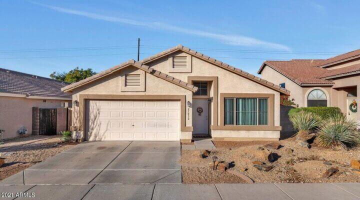 1888 SF Home in Phoenix Arizona