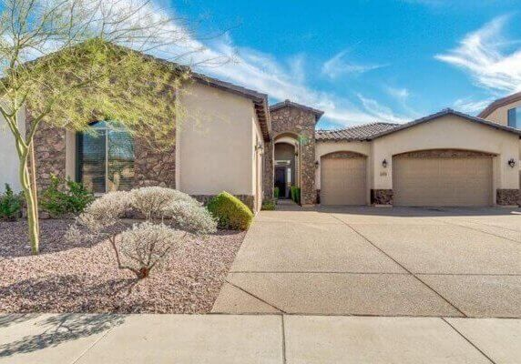 3.296 SF Home in Phoenix Arizona